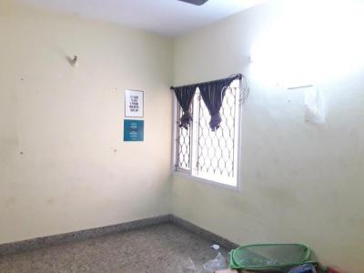 Gallery Cover Image of 1000 Sq.ft 2 BHK Apartment for rent in Choolaimedu for 22000