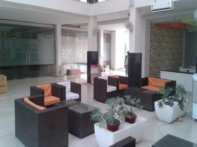 Gallery Cover Image of 1600 Sq.ft 3 BHK Apartment for buy in Gomti Nagar for 6500000