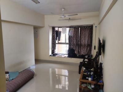 Gallery Cover Image of 650 Sq.ft 1 BHK Apartment for buy in Hubtown Greenwoods, Thane West for 6800000