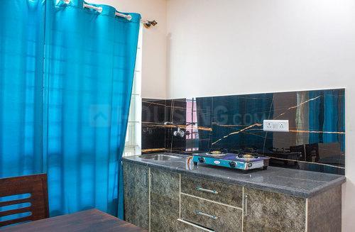 वरथुर में सुजाता एडिमुक्कला के किचन की तस्वीर