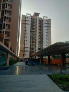 Gallery Cover Image of 889 Sq.ft 3 BHK Apartment for buy in Merlin Waterfront, Shibpur for 5358892