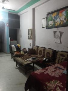 Gallery Cover Image of 700 Sq.ft 1 BHK Independent Floor for rent in Malviya Nagar for 13000