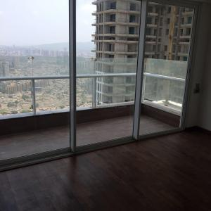 Gallery Cover Image of 1950 Sq.ft 3 BHK Apartment for rent in Malad East for 59000