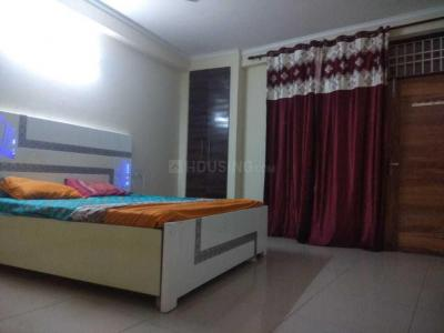 Gallery Cover Image of 1200 Sq.ft 3 BHK Apartment for rent in Chhattarpur for 27000
