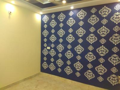 Gallery Cover Image of 585 Sq.ft 2 BHK Apartment for rent in Madhu Vihar for 12000