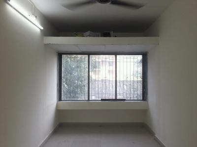Gallery Cover Image of 550 Sq.ft 1 BHK Apartment for rent in Piramal Mahalaxmi, Lower Parel for 25000