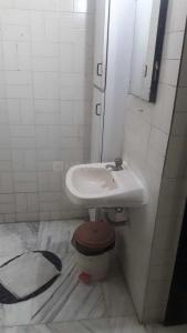 Gallery Cover Image of 500 Sq.ft 1 BHK Apartment for rent in Andheri East for 27000