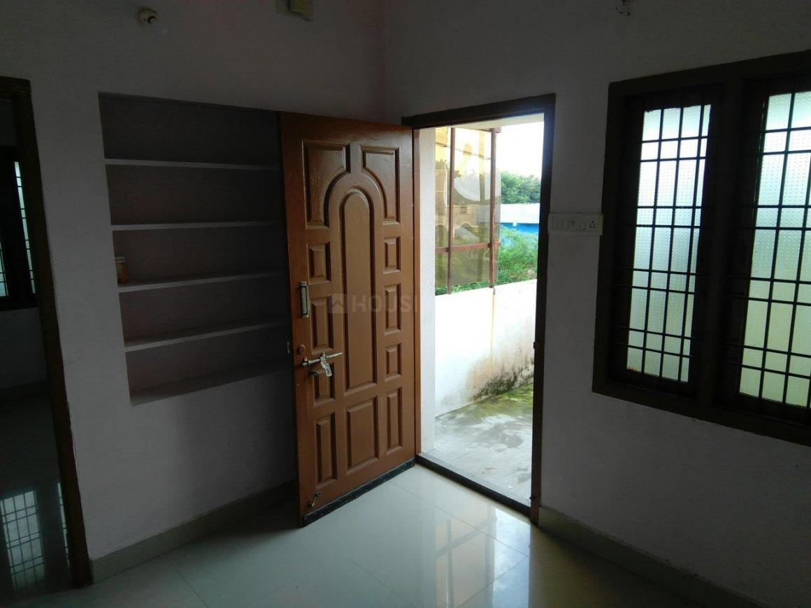 Living Room Image of 500 Sq.ft 2 BHK Independent House for rent in Maraimalai Nagar for 5000