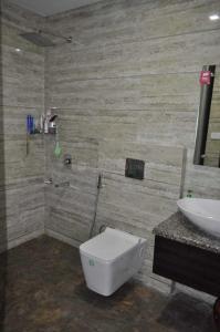 Bathroom Image of Shree Laxmi Associate PG in Sector 48