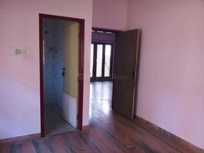 Gallery Cover Image of 2000 Sq.ft 3 BHK Independent House for rent in Ramapuram for 30000