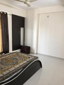 Gallery Cover Image of 1530 Sq.ft 3 BHK Apartment for rent in Golden Swarnim Square, Chharodi for 25500