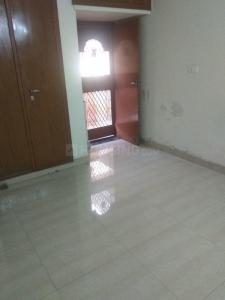 Gallery Cover Image of 1200 Sq.ft 3 BHK Apartment for rent in Mayur Vihar Phase 1 for 30000