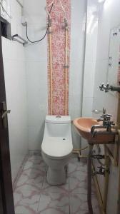 Bathroom Image of Gyani PG in Rajinder Nagar