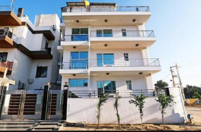 Gallery Cover Image of 2000 Sq.ft 10 BHK Independent House for buy in Sector 39 for 60000000