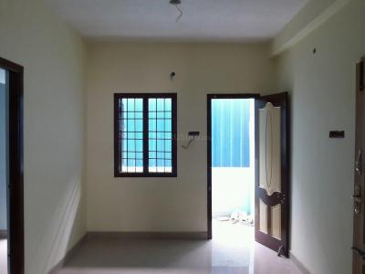 Gallery Cover Image of 800 Sq.ft 2 BHK Apartment for buy in Arumbakkam for 4500000