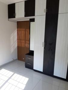 Gallery Cover Image of 883 Sq.ft 2 BHK Apartment for rent in Kambipura for 12000