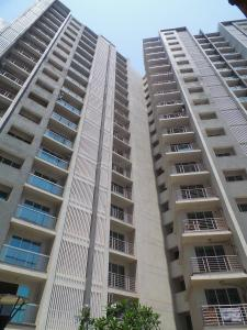 Gallery Cover Image of 1090 Sq.ft 2 BHK Apartment for rent in Kandivali East for 30000
