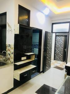 Gallery Cover Image of 600 Sq.ft 1 BHK Independent Floor for buy in Royal Avenue, Sector 75 for 1760000