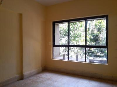 Gallery Cover Image of 525 Sq.ft 1 BHK Apartment for buy in Lokhandwala Riviera Tower, Kandivali East for 7800000