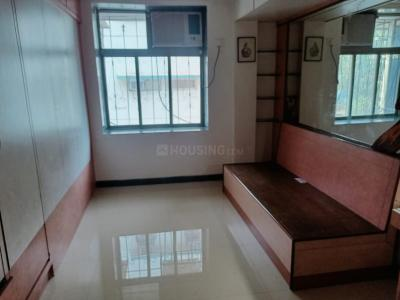 Gallery Cover Image of 350 Sq.ft 1 RK Apartment for rent in Mangal Manohar CHS, Prabhadevi for 25000