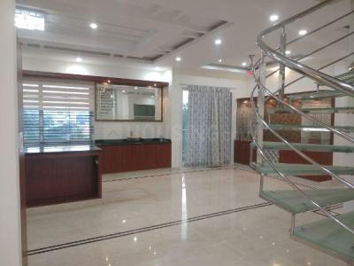 Gallery Cover Image of 3900 Sq.ft 3 BHK Apartment for rent in Kudlu Gate for 140000