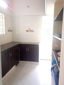 Gallery Cover Image of 550 Sq.ft 1 BHK Independent Floor for rent in Vadapalani for 10500