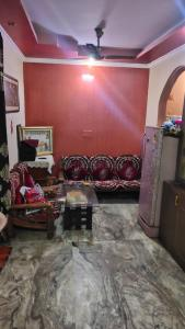 Gallery Cover Image of 600 Sq.ft 2 BHK Independent Floor for rent in Laxmi Nagar for 16000