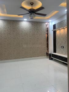 Gallery Cover Image of 1000 Sq.ft 3 BHK Independent Floor for buy in Uttam Nagar for 4200000