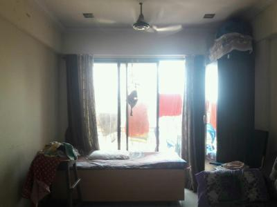 Gallery Cover Image of 575 Sq.ft 1 BHK Apartment for buy in Malad West for 10000000