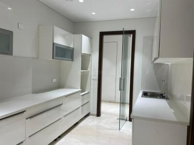 Gallery Cover Image of 3350 Sq.ft 4 BHK Apartment for buy in Omkar 1973, Worli for 122500000
