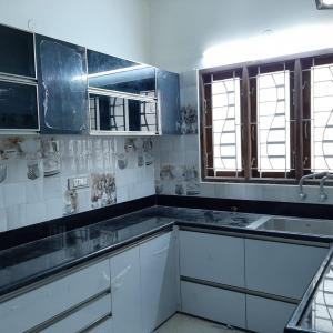 Gallery Cover Image of 2000 Sq.ft 3 BHK Independent House for rent in Iyyappanthangal for 35000