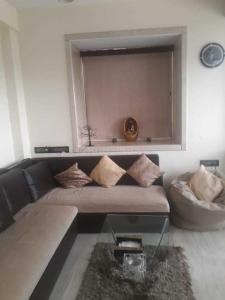 Gallery Cover Image of 800 Sq.ft 2 BHK Apartment for rent in Colaba for 92000