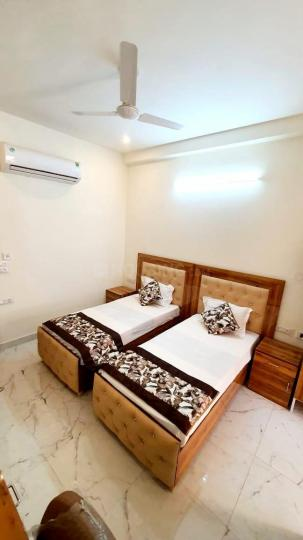 Bedroom Image of Aradhya Girl And Boys PG in Sector 57