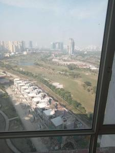 Gallery Cover Image of 2000 Sq.ft 3 BHK Apartment for rent in Pavilion Hight 4 Tower2, Sector 131 for 23000