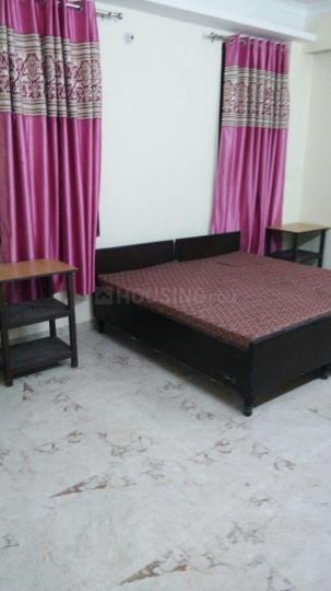 स्काइ रेसिडेंसी पीजी इन सेक्टर 23ए के बेडरूम की तस्वीर