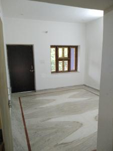 Gallery Cover Image of 2000 Sq.ft 3 BHK Independent Floor for rent in Khema-Ka-Kuwa for 12500