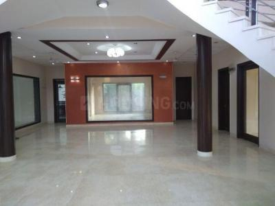 Gallery Cover Image of 12000 Sq.ft 5 BHK Independent House for rent in DLF Farms for 500000