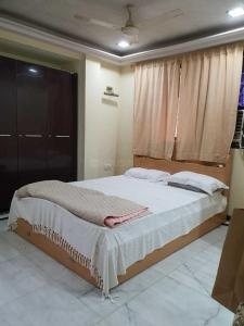 Gallery Cover Image of 429 Sq.ft 1 BHK Apartment for buy in Thane West for 7000000