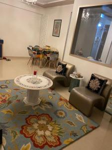 Gallery Cover Image of 885 Sq.ft 2 BHK Apartment for buy in Supreme Lake Florence, Powai for 20000000