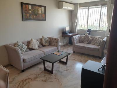 Gallery Cover Image of 600 Sq.ft 1 BHK Apartment for rent in Troika Apartments, Andheri West for 60000