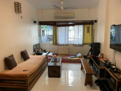 Gallery Cover Image of 550 Sq.ft 1 BHK Apartment for rent in Bandra West for 72000