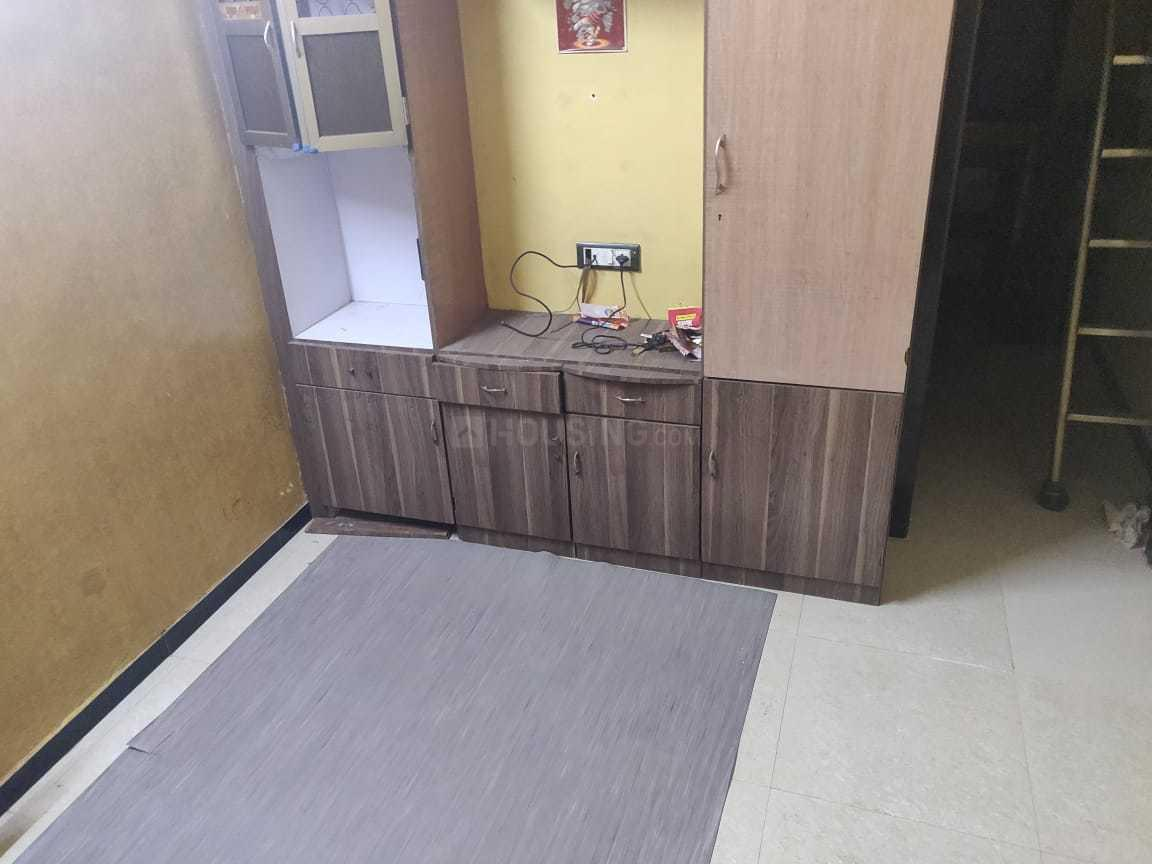 Bedroom Image of 340 Sq.ft 1 BHK Apartment for rent in Parel for 17000