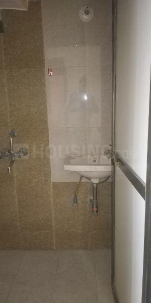 Common Bathroom Image of 600 Sq.ft 1 BHK Apartment for rent in Bhandup West for 24000