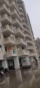 Gallery Cover Image of 1050 Sq.ft 2 BHK Apartment for rent in Sector 70 for 7000
