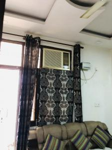 Gallery Cover Image of 600 Sq.ft 2 BHK Independent Floor for rent in Sector 3 Rohini for 20000