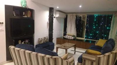 Gallery Cover Image of 1200 Sq.ft 2 BHK Apartment for rent in Dadar East for 110000