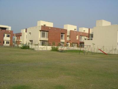 Gallery Cover Image of 2295 Sq.ft 3 BHK Villa for buy in Vedic Sanjeeva Town Bungalows, Salt Lake City for 16000000