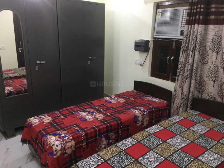पटेल नगर में स्टार पीजी फॉर गर्ल्स में बेडरूम की तस्वीर
