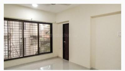 Gallery Cover Image of 650 Sq.ft 2 BHK Apartment for rent in Kandivali West for 32000