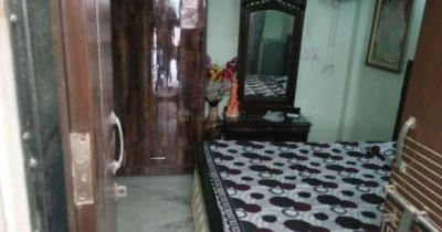 Gallery Cover Image of 300 Sq.ft 1 RK Independent Floor for rent in Vikaspuri for 10000